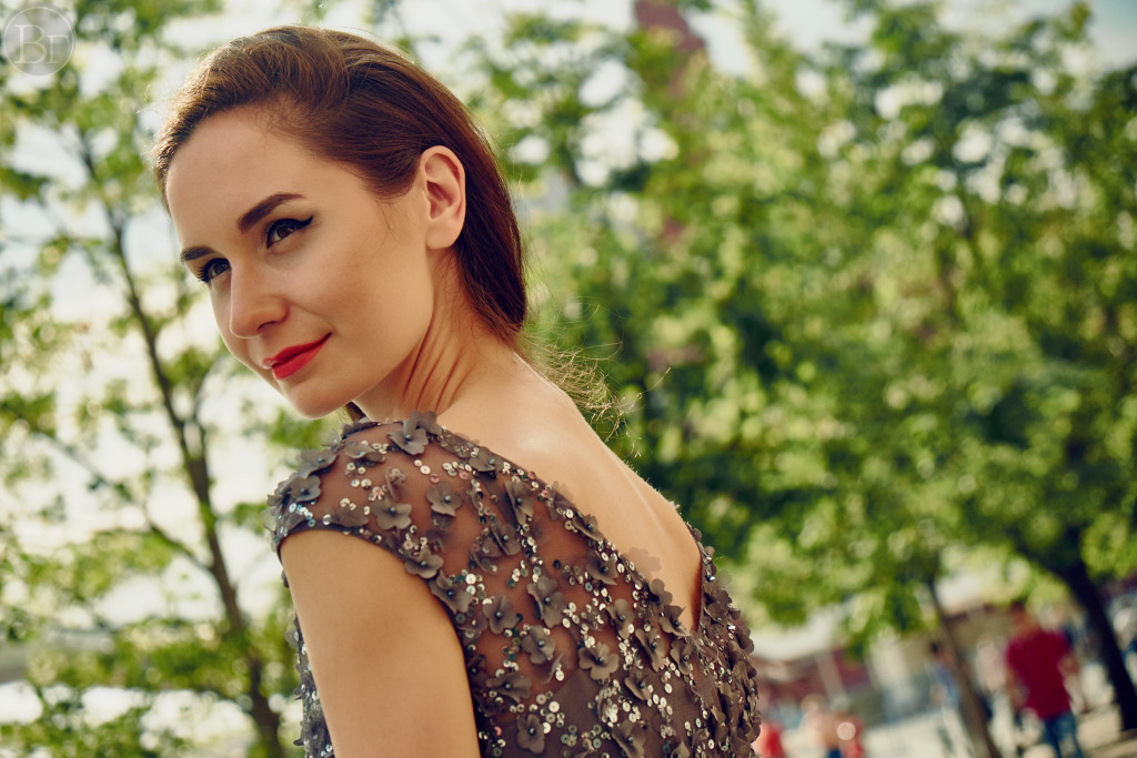 Vika Green by Igor Harrier