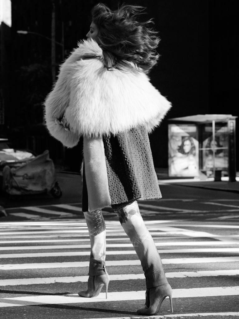 Emily-DiDonato-Vogue-Mexico-January-2016-Cover-Photoshoot06