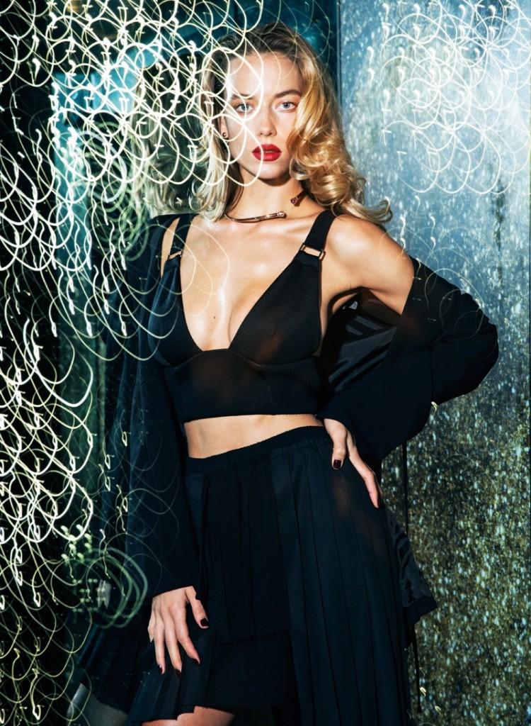 Hannah-Ferguson-Mojeh-Magazine-December-2015-Cover-Photoshoot05