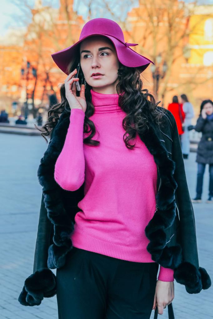 Vika Green by Zhanna Mayorova-MBFW Russia-Street style