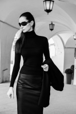 Вика Грин: street-style на Неделе моды в Гостином дворе