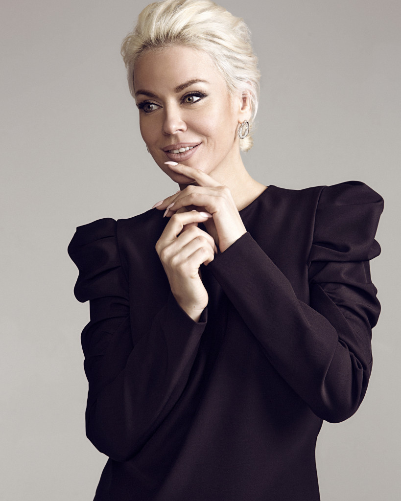 Tatyana Tireshina by Aditsa Tomarazova for vikagreen.ru-Apriori Photo