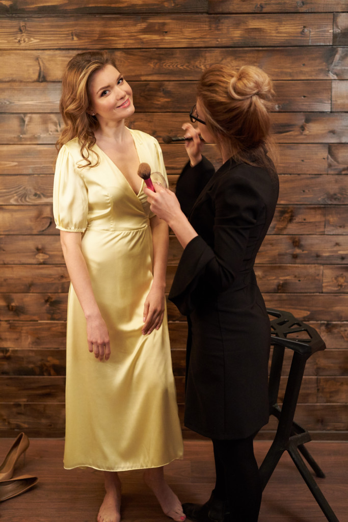 Backstage - Marina Panfilova by Dasha Korshan for www.vikagreen.ru in PINK Photo Studio