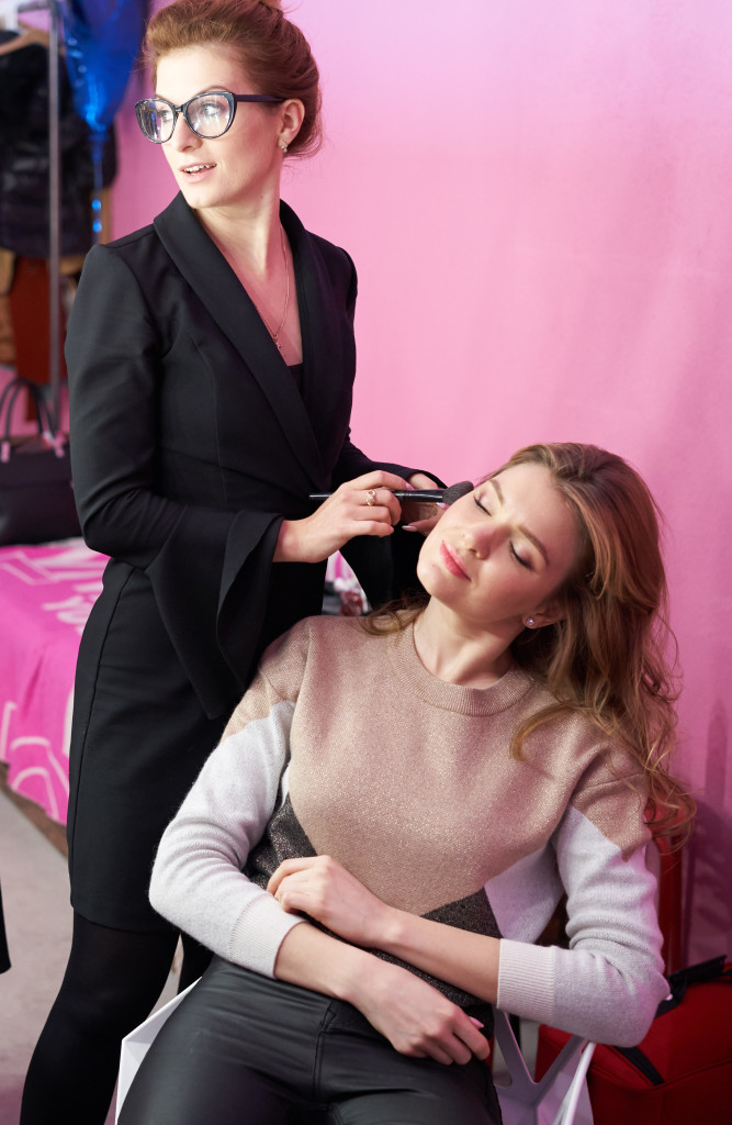 Backstage - Marina Panfilova by Dasha Korshan for www.vikagreen.ru in PINK Photo Studio