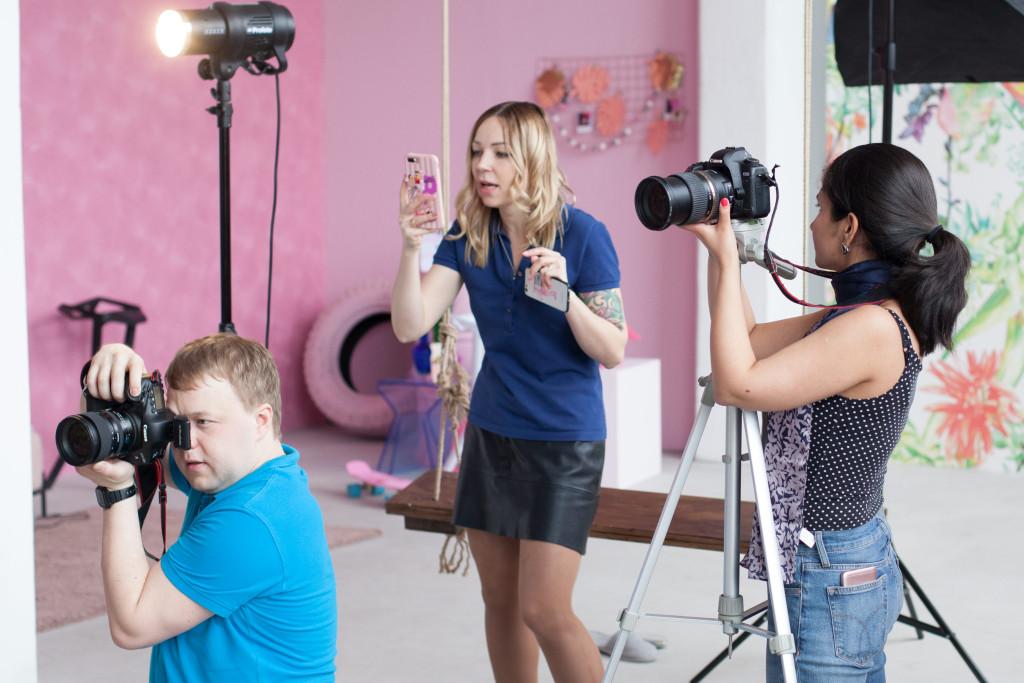Backstage - Uliya Vasiliva by Sergey Falinsky for www.vikagreen.ru in Pink Photo Studio