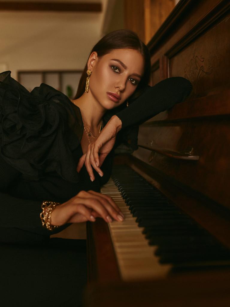 Julia Golygina by Ivan Sharov and Vika Green