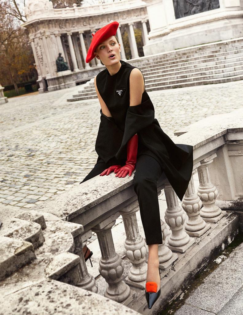 Xavi-Gordo-Harpers-Bazaar-Constance-Jablonski-5